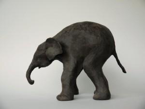 Jonge olifant, 19 cm.