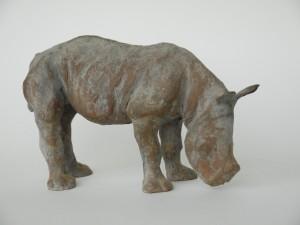 jong neushoorn, 12 cm.